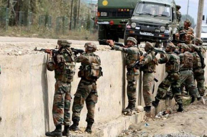 जम्मू-कश्मीर: आतंकियों ने थाने पर ग्रेनेड से किया अटैक, जवान शहीद, तलाशी अभियान शुरू