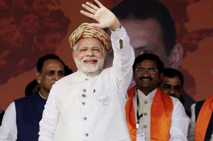 गुजरात के आणंद पहुंचे PM नरेंद्र मोदी, अमूल के विभिन्न प्लांट का किया उद्घाटन