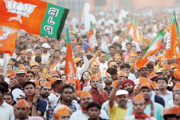 भाजपा ने 302 सीटें जीती, 1 सीट पर आगे,कांग्रेस ने 52 सीटें ही जीती