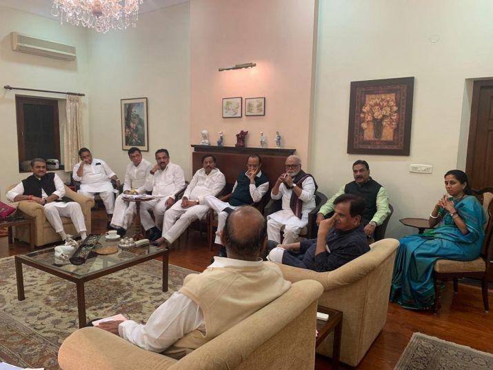 महाराष्ट्र को लेकर NCP-कांग्रेस में बैठक जारी, सोनिया गांधी ने भी की कांग्रेस नेताओं के साथ चर्चा