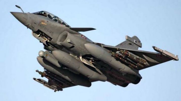 फ्रांस ने भारत को तीन राफेल विमान सौंपे, पायलटों को दी जा रही है ट्रेनिंग