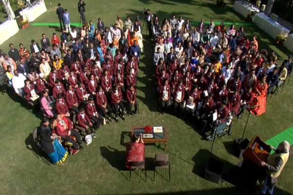 राष्ट्रीय बाल पुरस्कार के विजेताओं से मिलने पर PM मोदी बोले, आपके साहसिक कार्योँ से मुझे प्रेरणा मिलती है