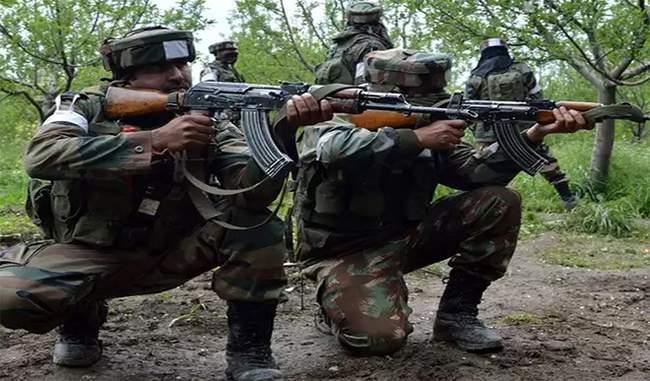 गणतंत्र दिवस से पहले पुलवामा में गोलीबारी, सुरक्षाबलों ने 3 आतंकियों को घेरा