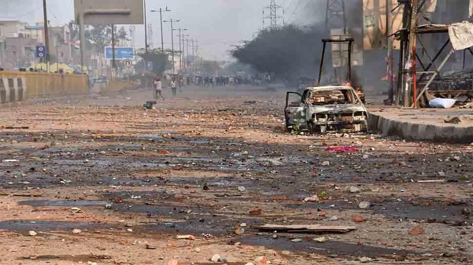 दिल्ली हिंसा मामले में 18 लोगों की मौत, केजरीवाल ने की सेना तैनात करने और कर्फ्यू लगाने की मांग