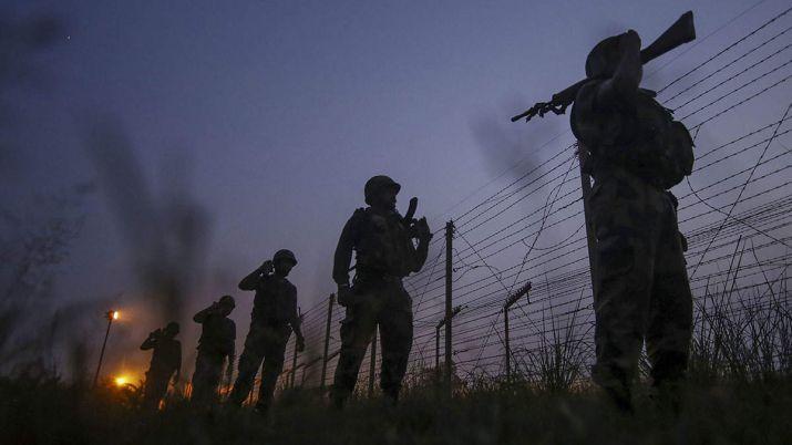 जम्मू कश्मीर में BSF के सहायक कमांडेंट ने की आत्महत्या, जांच जारी