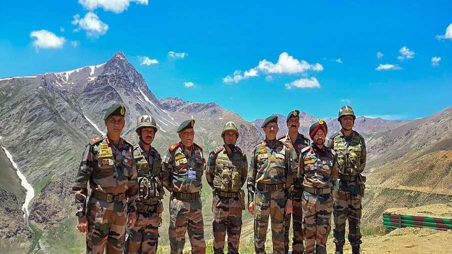 Kargil Vijay Diwas: सेना के जवानों के बीच कश्मीर पहुंचे राष्ट्रपति, PM और रक्षा मंत्री ने भी शहीदों को दी श्रद्धांजलि